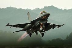 Take off KF-16 Fighting Falcon
