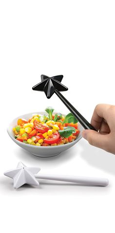 Magic Wand Salt & Pepper Shakers! Feel like a wizard every time you need a dash of flavor. Haha... yes! #product_design