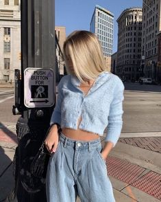 Aesthetic vintage art hoe trendy casual cool edgy outfit fashion style idea ideas inspo inspiration for school for women winter summer baggy flared mom jeans pants denim blue cardigan sweater Mode Outfits, Girl Outfits, Fashion Outfits, Fashion Clothes, Fashion Ideas, Fashion Tips, Fashion Trends, Mode Simple, Cute Casual Outfits