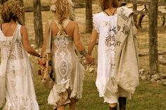 For some reason, I hardly picture myself running through a field,holding hands with my friends, and all of us dressed up in table cloths. Cute though!