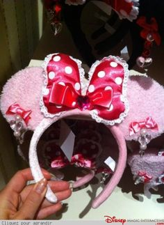 Minnie Mouse Macaron Spoon and Fork at Tokyo Disneyland WANT NEED