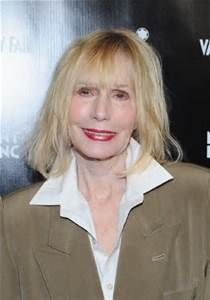 Constance Bingham (Sally Kellerman)