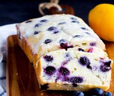 Lemon Blueberry Yogurt Bread - AMAZING Homemade moist lemon bread with fresh blueberries with a lemon glaze! Greek yogurt makes this loaf a great quick bread to serve in the spring or summer. Greek Yogurt Bread, Greek Yogurt Dessert, Greek Yogurt Recipes, Yogurt Breakfast, Healthy Blueberry Recipes, Lemon Blueberry Muffins, Brunch Recipes, Sweet Recipes, Dessert Recipes