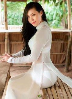 Vietnamese Traditional Dress, Vietnamese Dress, Traditional Dresses, Ao Dai, Sexy Dresses, Girls Dresses, Long Dresses, Vietnam Girl, Beautiful Asian Women