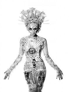 """Jean Paul Gaultier - Collection """"Les vierges"""" été 2007 - Modèle """"Immaculata"""", portée par Kylie Minogue lors du X Tour"""
