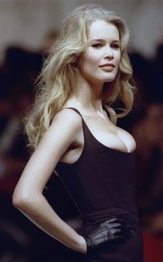 Claudia Schiffer Pictures Photos Gallery