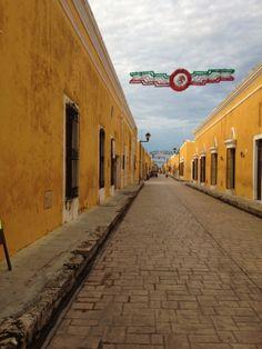 Izamal, Yucatán. Le distingue el color amarillo en todas sus fachadas.