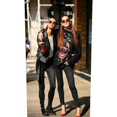 Tendencias universales #jeanwear por #stradainvoga  #lifestyle #style #tendencia #Fashion #myjeansstradainvoga #newyork #vogue #voga #calleenmoda #modaenlacalle #streetstyle