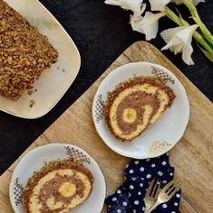 Ruladă cu banane, cremă de ciocolată și nuci crocante | Bucate Aromate Romanian Desserts, Romanian Food, Romanian Recipes, Something Sweet, Cocktail Recipes, Cocktails, Cheesecakes, Cake Cookies, French Toast