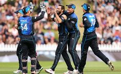 Wellington: After winning international series, New Zealand cricket team beats to Pakistan in first ODI match by 70 runs and lead the three game series by Cricket Score, Live Cricket, Cricket News, Threes Game, Latest World News, New Zealand, Pakistan, Baseball Cards, Running