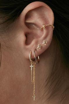 Jewelry Tattoo, Ear Jewelry, Cute Jewelry, Body Jewelry, Jewelery, Jewelry Accessories, Bijoux Piercing Septum, Ear Piercings Rook, Ear Peircings