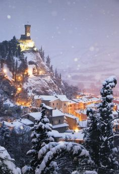 heavy snow in Brisighella, Italy