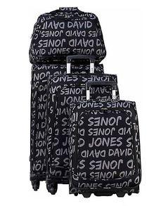 Un lot de #valises en soldes siglées David Jones à 100€