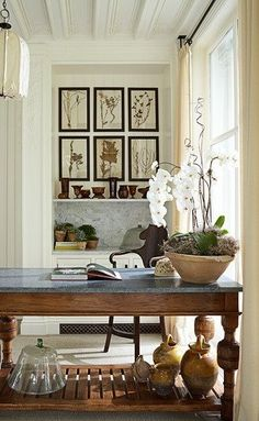Farmhouse table | Light from the window.
