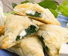 Spanakopita, Ethnic Recipes, Food, Vegetable Pot Pies, Empanada Dough, Goat Cheese, Ethnic Food, Essen, Meals