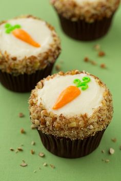 Carrot Cake Cupcakes with Cream Cheese Frosting - It's incredibly moist, perfectly spiced, deliciously sweet, it's texture lands right in the middle of fluffy and dense, and that light tang from the silky smooth cream cheese frosting enhances the cakes flavors in all the best ways.