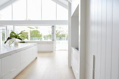 Partial reveal from my favorite renovation team, Three Birds Renovation, in New South Wales, Australia. The Guest House Thx 3 Birds xoxoxo Copy Cat Chic ONE Three Birds Renovations, Huge Kitchen, Kitchen White, Kitchen Ideas, White Stool, Luxury Kitchens, Tuscan Kitchens, Dream Kitchens, Interior Decorating