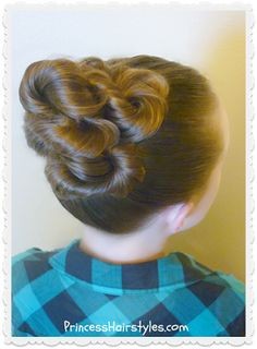 Beautiful and easy twisted bun tutorial