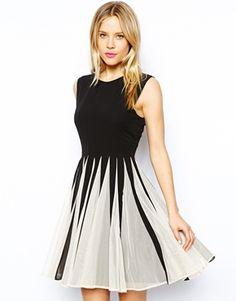 Bild 1 von ASOS – Ausgestelltes Kleid mit Netzstoffeinsätzen