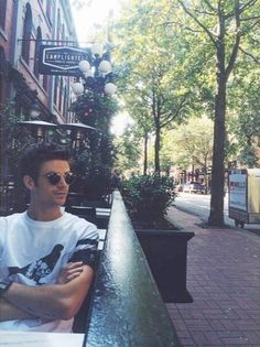 ImageFind images and videos about the flash and grant gustin on We Heart It - the app to get lost in what you love. Thomas Grant Gustin, The Flash Grant Gustin, Barry Allen Flash, O Flash, Bae, Fastest Man, Dc Legends Of Tomorrow, Supergirl And Flash, Stephen Amell