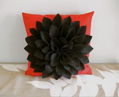 Felt Chrysanthemum Pillow. Cute and Super Easy. Full instructions included.