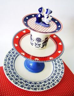 silly old suitcase: servies