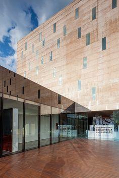 Centro de Memoria Histórica, Paz y Reconciliación, Bogotá, Colombia - Juan Pablo Ortíz Arquitectos - foto: Rodrigo Dávila