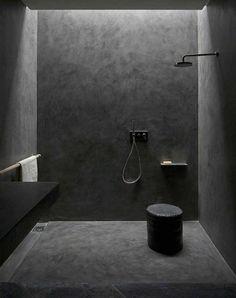 douche à l'italienne en béton ciré mur salle de bain gris anthracite design