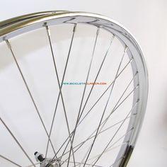 Llanta Westwood personalizadas en acero cromado de 36 agujeros, utilizadas por las bicicletas con sistema de frenos de varilla.