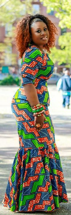 Ankara Skirt and Blouse Design . Ankara Skirt and Blouse Design African Inspired Fashion, African Print Fashion, Africa Fashion, Fashion Prints, Women's Fashion, Fashion Sewing, African Print Dresses, African Fashion Dresses, African Dress