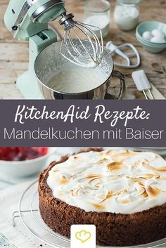 Schokoladen-Mandel-Kirsch-Kuchen mit Baiserhaube She can do everything! With the KitchenAid cake dreams come true! Here is the complete range of KitchenAid: www. Cookie Desserts, No Bake Desserts, Kitchen Aid Recipes, Chocolate Oatmeal Cookies, Quick Cake, Spring Cake, Cocktail Desserts, Cherry Cake, Cake & Co