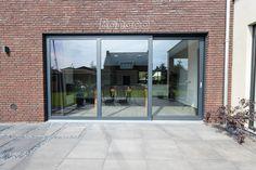 Ramen, New Homes, Windows, Living Room, Interior Design, House Styles, Decor, Design Interiors, Decoration