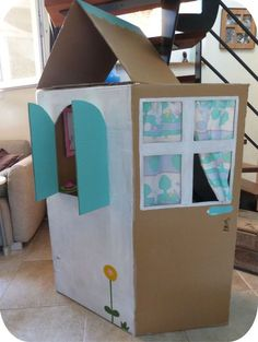 Cabane enfant en carton tuto Cardboard Playhouse, Cardboard Crafts, Diy For Kids, Crafts For Kids, Carton Diy, Cardboard Furniture, Reggio Emilia, Happy Baby, Summer Activities