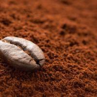 Après avoir pris un bon café, ne jetez plus le résidu du filtre à café à la poubelle ! Vous avez entre les mains un produit magique : le marc de café.  Découvrez l'astuce ici : http://www.comment-economiser.fr/truc-astuce-comment-conserver-le-marc-de-cafe.html