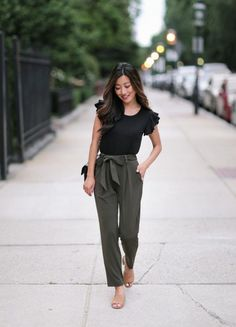 utilitarian chic outfit for teachers