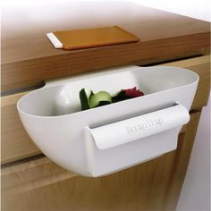 Scrap Trap Bin and Scraper- I'm not usually a fan of kitchen gadgets but I would totally make use of this one. Kitchen Art, Kitchen Hacks, Kitchen Tools, Kitchen Dining, Dirty Kitchen, Kitchen Products, Kitchen Stuff, Best Kitchen Gadgets, Kitchen Inventions