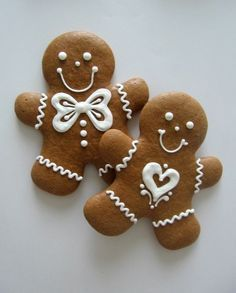 gingerbread cookies decorated with icing. From Žamberk, Czech Republic. - Weihnachten - backen - gingerbread cookies decorated with icing. From Žamberk, Czech Republic. Gingerbread Man Cookies, Christmas Sugar Cookies, Christmas Sweets, Christmas Cooking, Christmas Goodies, Holiday Cookies, Cupcake Christmas, Christmas Ornament, Gingerbread Houses