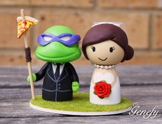 Cute wedding cake topper - Turtle Groom Don and Bride