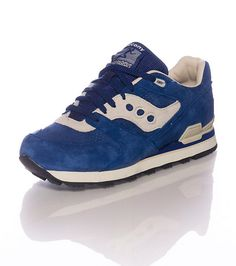 SAUCONY Low topmen's sneaker Lace up closure SAUCONY logo detail Padded tongue with logo Cushioned inner sole for comfort Rubber outsole