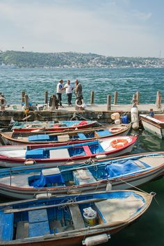 Fishermen in Beylerbeyi, Istanbul, Turkey