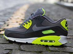 Nike Air Max 90 Essential - Dark Grey / Volt |