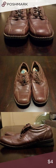 Mens Thom McAn dress shoes. Size 10M Mens Thom McAn Brown dress shoes. Size 10M. Worn only a couple times. Minor scuff on tips of both shoes. Thom McAn Shoes