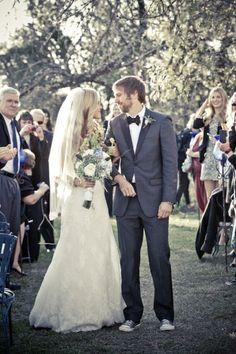 love it all! her dress, hair, veil <3