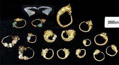 Ciprus - brincos com cabeças de animais (os mais comuns eram touros, cabras, bodes, leões - às vezes com chifres - e golfinhos), período helênico