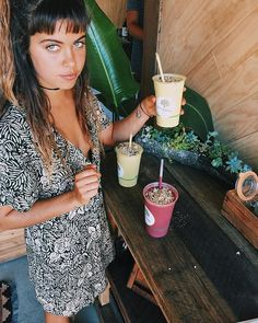 Can't get better than this ... @BareBlends SMOOTHIE BAR ?! ✌️ Matcha-Protein Smoothies right around the corner?! .... See you there Everyday OPEN 8am-2pm  if you don't already know all about @bareblends Bare Greens, Peruvian Protein, Berries, Matcha and Vanilla WPI... Come try it today .... I love these guys with all my heart ✌️ ENTRANCE on BAYSHORE DR Byron Bay
