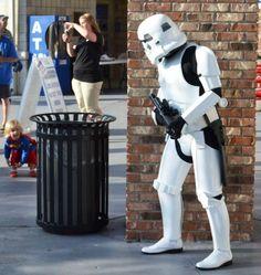Stormtrooper VS Super-Girl