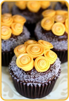 Yellow rose cupcakes from Natalie (Natty-Cakes) of BrattyCakes.com on Flickr. She has an amazing assortment of beautiful cake decorating designs on her Flickr and site, go check them out! #brattycakes #cakes #natty-cakes #natalie #yellow #roses #cupcakes