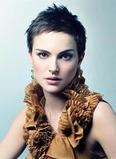 Natalie Portman. Boyish cut, femme-ish top = gender explosion. Sweet.