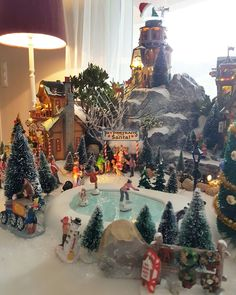 27 Ideas For Diy Christmas Village Display Ideas Department 56 Diy Christmas Village Displays, Lemax Christmas Village, Christmas Town, Christmas Villages, Outdoor Christmas Decorations, Christmas Holidays, Christmas Ornaments, Holiday Decor, Lemax Village