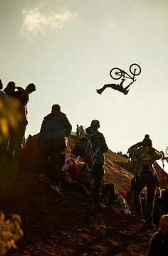 Backflip-Superman | Photography: Daniel Roos